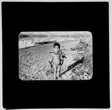 Sans titre [portrait d'un petit garçon Alakaluf]