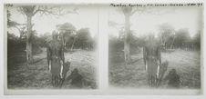 Mambus-Kushus, rivière Luiana-Cuando, 18 novembre 1913 [homme de dos]