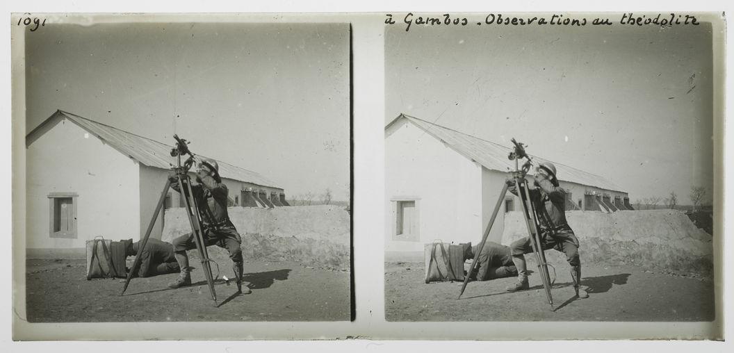 A Gambos, observations au théodolite