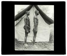 Types de Barotsés, rameurs du Zambèze [deux hommes de profil]