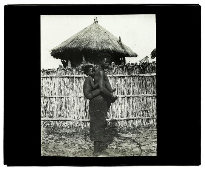 Type de femme Bunda, rive gauche de la Luanginga vers confluent Mosuma