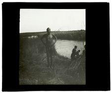 Type d'Ovampou de la tribu Makalondi, nègre Kaikoumoune au passage de la Longa
